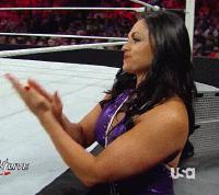 Raw aksana alicia_fox autoplay_gif clapping gif paige referee thumbs_up wwe // 200x178 // 877.0KB