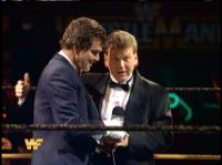 bill_dunn burt_reynolds celebrity microphone suit wrestlemania wwf // 412x308 // 169.1KB