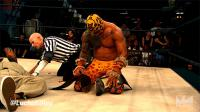 Lucha_Underground Prince_Puma autoplay_gif gif kneeling mask referee // 500x281 // 1.9MB