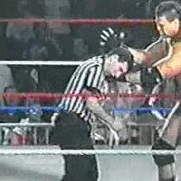 Awesome_Bomb autoplay_gif ecw gif mike_awesome powerbomb referee // 200x200 // 3.7MB