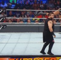 Dancing Kevin_Owens autoplay_gif gif kevin_steen pointing referee summerslam wwe // 196x192 // 1.1MB