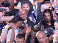 Roman_Reigns autoplay_gif fan gif middle_finger wrestlemania wwe // 200x150 // 3.2MB