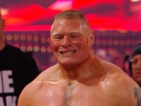 brock_lesnar smiling wrestlemania wwe // 424x318 // 159.5KB