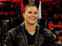 Raw Ronda_Rousey laughing smiling wwe // 424x318 // 184.2KB