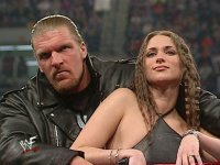 Raw hunter_hearst_helmsley stephanie_mcmahon wwf // 736x553 // 63.0KB